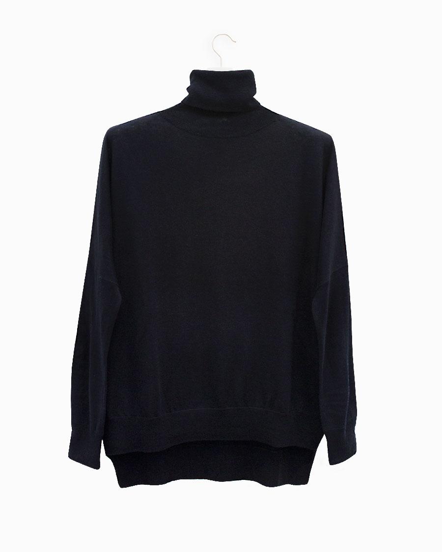 Jersey de cuello alto azul marino de Lebor Gabala