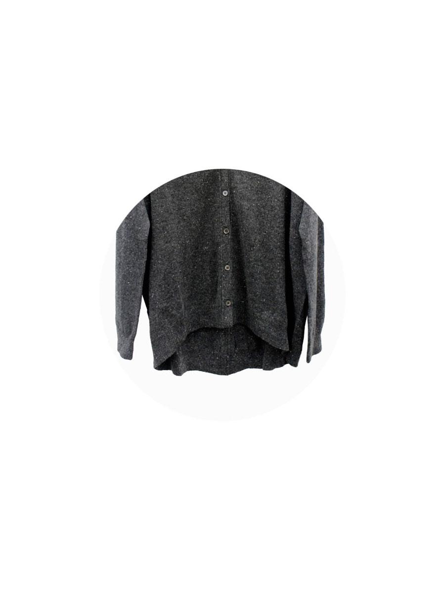 Detalle inferior chaqueta cashmere Lebor Gabala